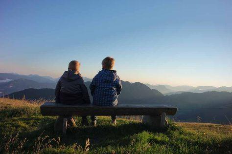 Ken je het Alpbachtal in Tirol al? Alpbachtal met kinderen: HET dal voor families met kinderen. Zoveel te zien, te doen en te beleven. Wij gaan het beleven.