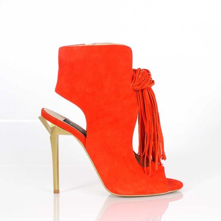 3 modele esențiale de pantofi pentru Ziua Îndrăgostiților