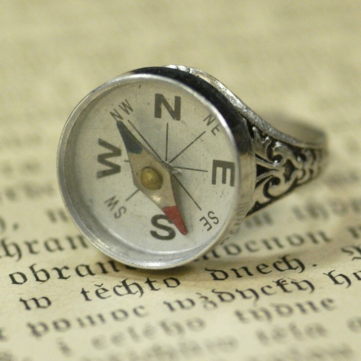 compass ring. i could actually really use this, i'm lost without my mountains: Vintage Reborn, Style, Stuff, Ragtradervintage Com, Jewelry, Rings, Things, Ancillary