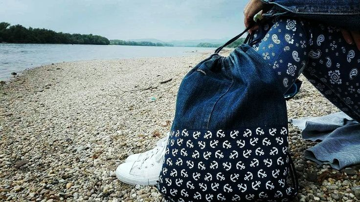 Bicycle trip on the riverside with my favorite Rekaboo bag.