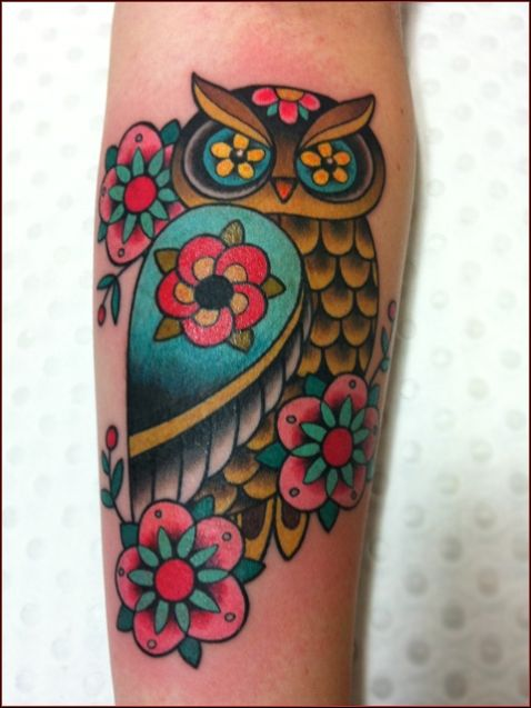 The colors on this are so vivid! GO owls!! lol #besttattoos #bodyart #inked