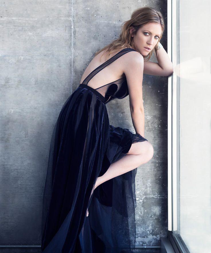 Модная Бриттани Сноу
