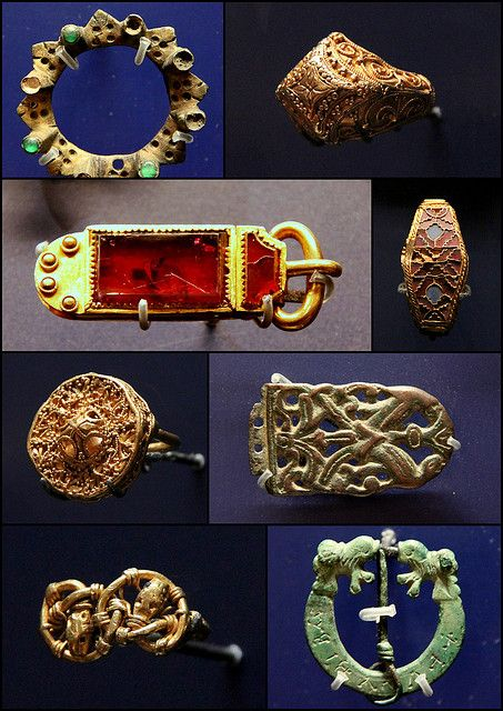 Anglo - Saxon jewellery, buckle, belt-end  Ashmolean Museum,Oxford