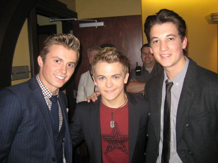 Hunter and Footloose cast he so short lol!!