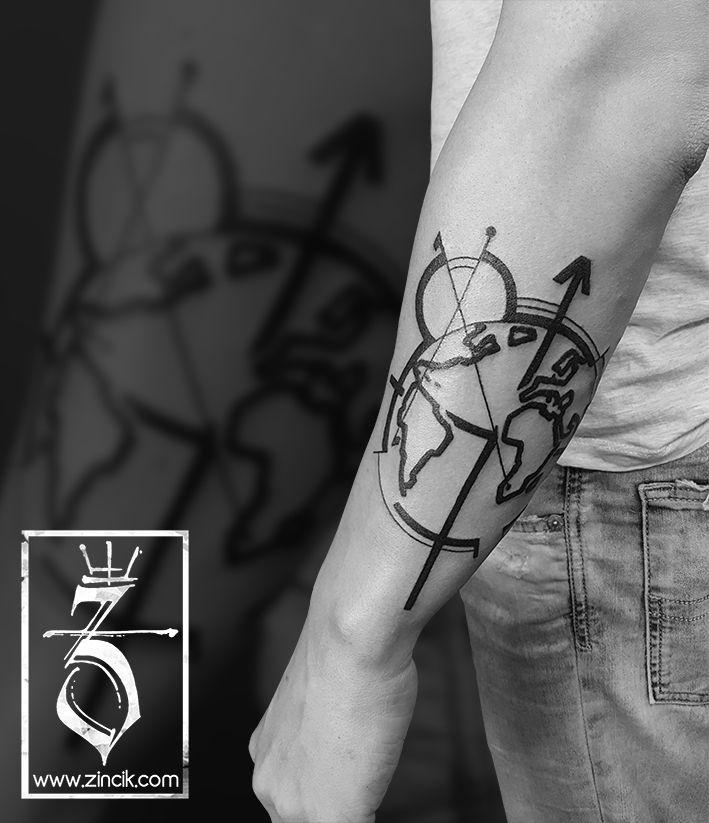 Martin Tattooer Zincik - Czech Tattoo Artist, Geometrické Tetování na předloktí, Black tattoo geometric world, Tetování Brno / Praha