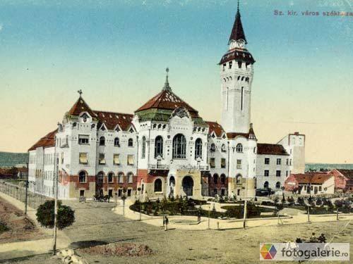 Clădirea actualei Prefecturi - Piaţa Victoriei