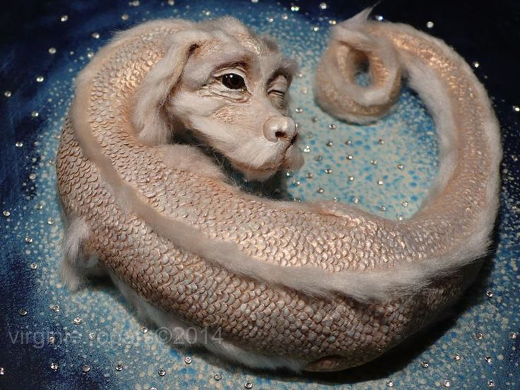 Falkor, The Luck Dragon (Neverending Story) by Viriginie Ropars