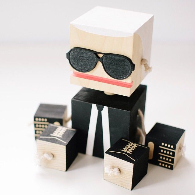 how to build a wooden block toy robot