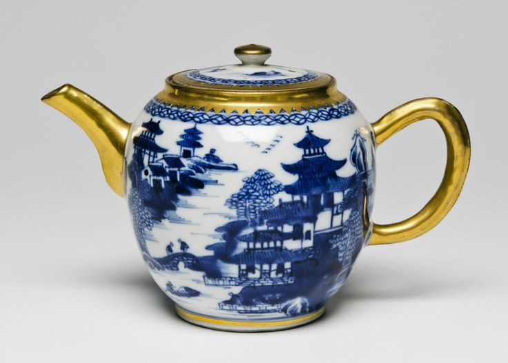 Teapot and Cover Artist/maker unknown, Chinese Late 18th century