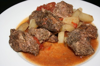A Year of Slow Cooking: CrockPot Lamb Vindaloo Recipe. I was searching for a recipe that would be similar to one we had aboard our cruise called, Moroccan Lamb Soup. I don't know if this will have the same taste, but I think I will try it.