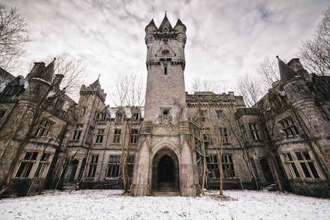 Stunning Photos of Abandoned Castles Ravaged by Time
