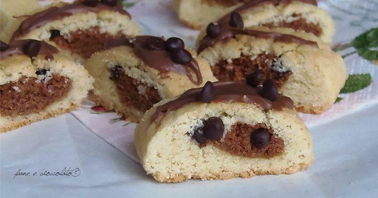Biscotti cuore di cioccolato non so se a voi vi capitano i periodi in cui amate fare un tipo di dolce in particolare! A me mi e' presa la fissa dei biscotti, ad esempio, li faccio in mille modi ed in mille salse.
