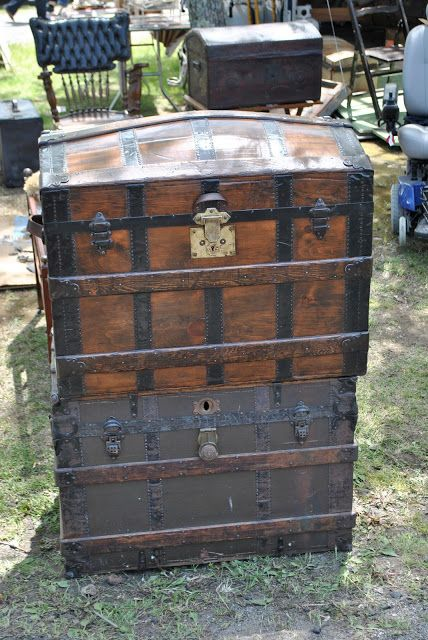 Home Decor Furniture Trunk The Enchanted Home Brimfield Here We Come Brimfield Hailed As The Worlds Largest Antiques Fair With Over Vendors