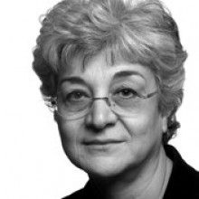 Amina Saïd was born in Tunis in 1953 to a Tunisian father and a French mother during the struggle for Tunisian independence, which was achieved when she was three years old. She was raised bilingual, schooled both in literary Arabic and in French, with the dialectal Arabic of her country of birth also part of her life and imagination.