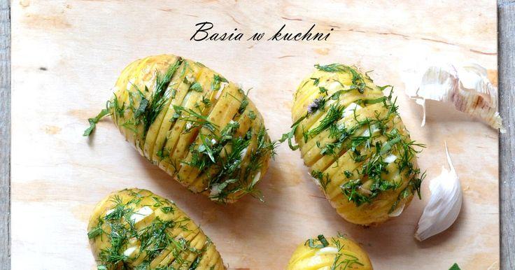 faszerowane ziołami ziemniaki na grilla