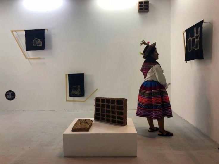 En el marco de la 6° edición de ArtLima, que concluye este 22 de abril, la Fundación Ca.Sa, de Chile, ha entregado la segunda versión en esta feria de su Premio Ca.Sa a la artista Frances Munar (Lima, 1990), por su obra A través de una línea fronteriza, presentada en el stand de la galería limeña Tokio.