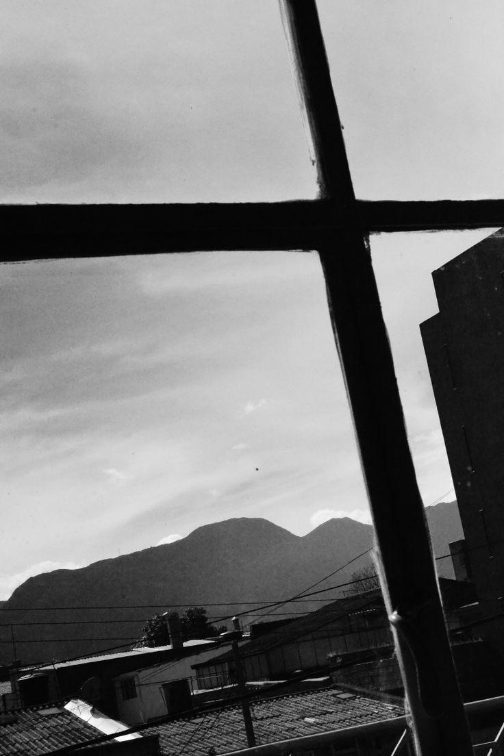 """De la Montaña Nace Colombia, de Colombia Nace el Mundo. """"Mi nuevo Lugar Favorito""""  Bogotá. Colombia. 2013.  MILESph Artista: Milton Figueredo Miles"""