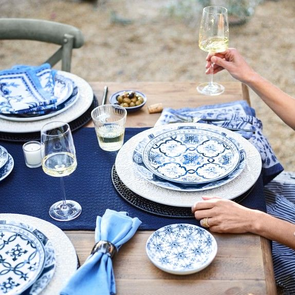 Porto Embossed Charger Plate Williams Sonoma Table Settings Everyday Charger Plates Dinner Table Setting