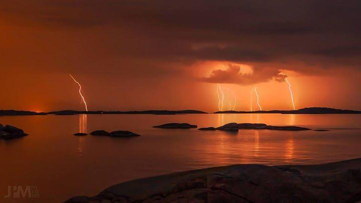 2900 likes.  Tordenvær i Ytre Oslofjord, tatt fra øya Ildverket, Tjøme.  Gratulerer med dagens bilde Jon Petter Marthinsen
