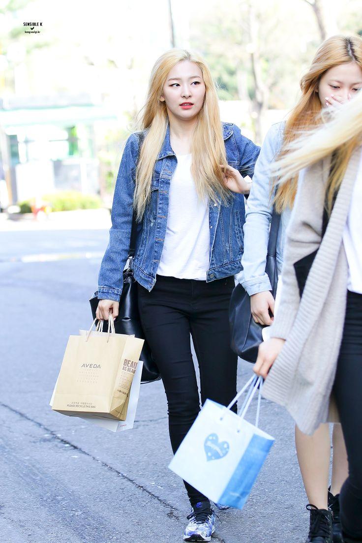 Red Velvet Seulgi Kpop Fashion 150417 2015