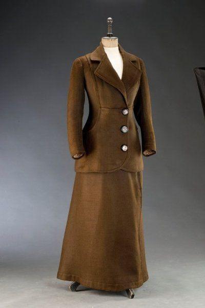 Kostým dámský | 1910 | Www.Esbirky.Cz | CC0