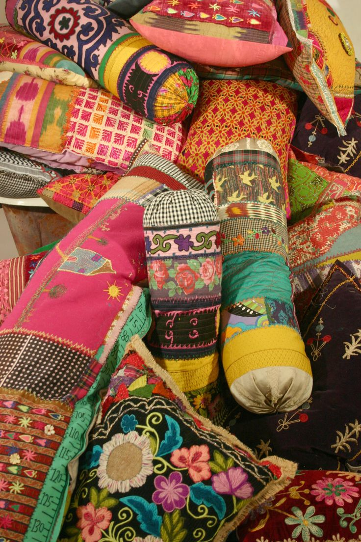 The Lebanese summer is hot and Bokja has a cool treat for you. Bokja has put together a dazzling collection of cushions of all shapes and sizes adorned with yummy Bokja fabric. Drop by the gallery …