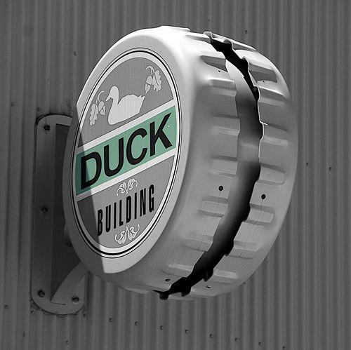 Duck Building Sign Environmental Graphic Design, Signage Sistems, Interior wayfinding, señaletica para empresas, diseño de locales comerciales Canton Crossing