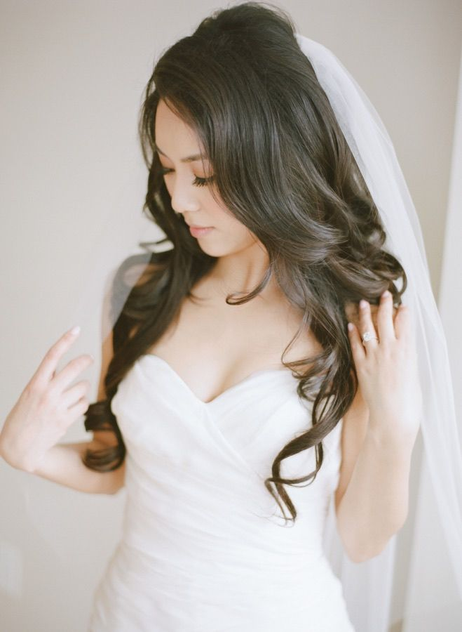 Wedding hairstyle idea; photo: Rebecca Yale