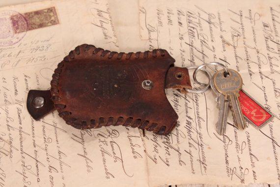 Key case - Leather key holder - Vintage leather keychain - Old car key holder - Vintage embossed pouch - Old leather keychain Leather pouch