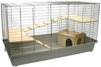 Nagerheim Lanka 120 ist ein extra großer Käfig und bietet das perfekte Zuhause für Meerschweinchen, Zwergkaninchen und andere mittelgroße Nager. 2 große Holzetagen, 2 Holzleitern und ein großes Holzhaus schaffen einen artgerechten Lebensraum für Ihre kleinen Freunde.
