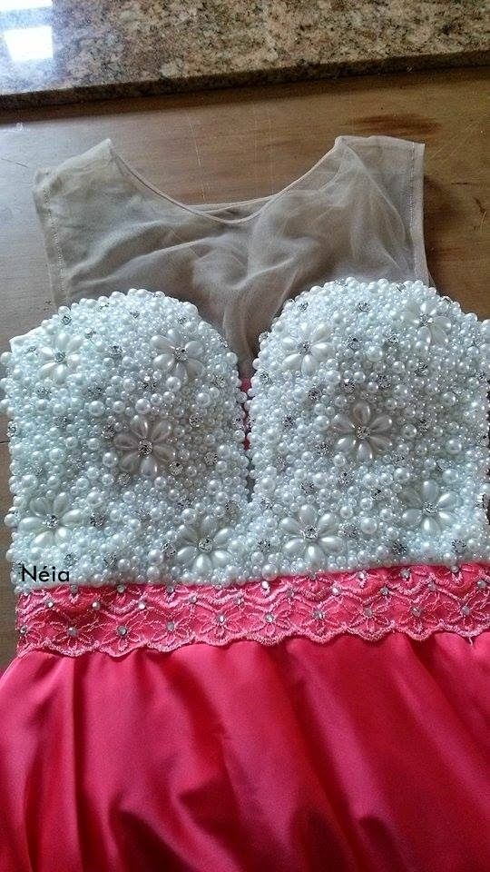 Vestido rosa bordado com pérolas e transparência   BORDADOS EM PEDRARIAS CURITIBA