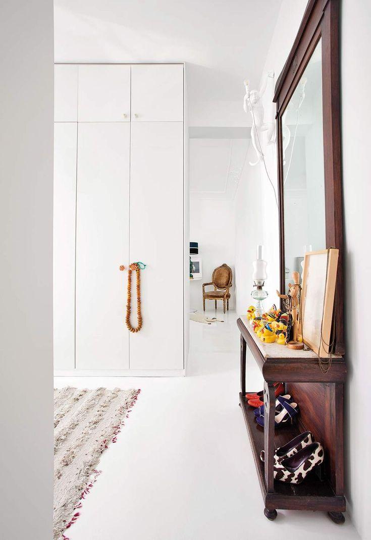 Reforma en la casa de Teresa Arroyo Elle Decor, Ideas Para, Home Accessories, Oversized Mirror, Divider, Room, Furniture, Home, Closets