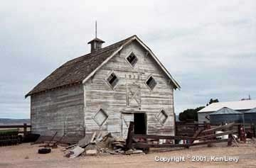 1913 Barn, Quincy, WA by Kevin Levy