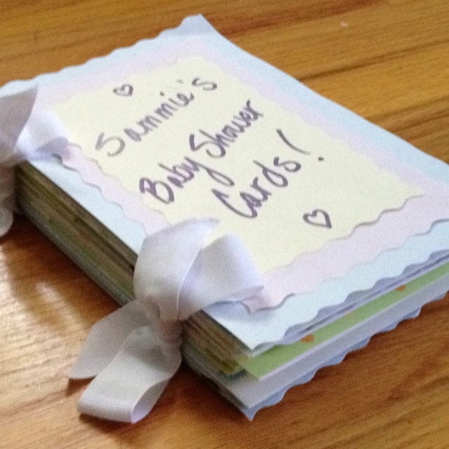 DIY baby shower card book, this is a good idea for baby's 1st birthday too!!