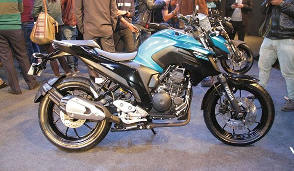 Yamaha India unveiled the FZ25 last week at one of their motorcycle events. The new model is specifically aimed at the younger generation, age range around 20-30