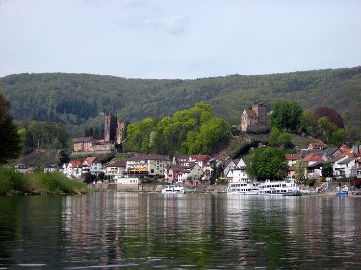 NECKARSTEINACH (near Heidelberg): Die Vierburgenstadt Neckarsteinach wurde in Deutschland, Neckarsteinach aufgenommen und hat folgende Stichwörter: Kajaktour,  Neckar,  Paddeltour.