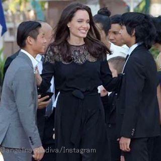 海外セレブニュース&ファッションスナップ: 【アンジェリーナ・ジョリー】離婚騒動後、初めて子供たちとカンボジアでイベントに登場!