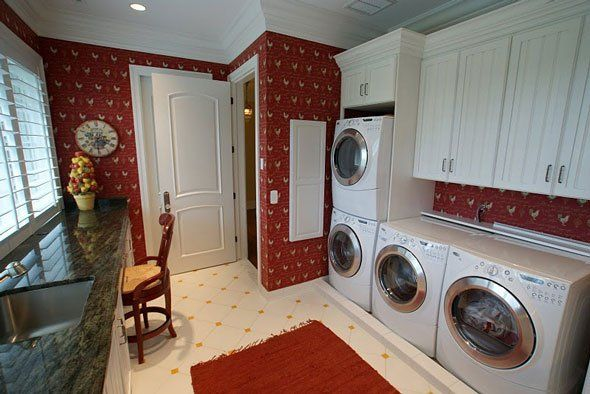 Love this!!! We actually have the space & all the appliances for 2 washers and dryers in our laundry room.