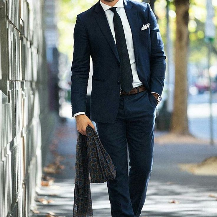 Men who love to dress up are in for a real treat in the coming seasons should try AusCufflinks unique collection of skinny ties. Buy ties online Australia best mens accessories store. Free Shipping Available