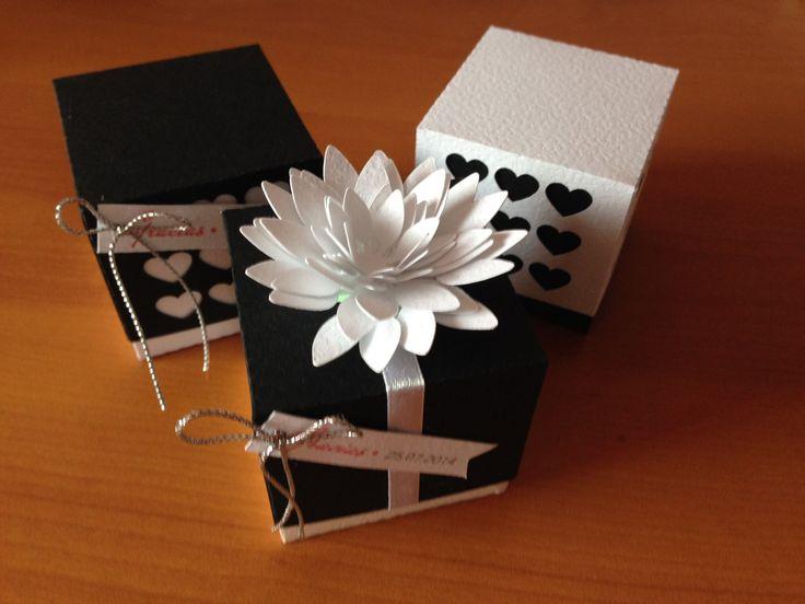 Diseños de cajas versión en blanco & negro