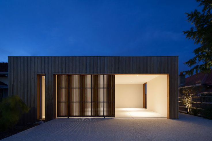 Modscape Architects did a fantastic job in Cottesloe. This project uses Radial Timber products. Check it out here: http://radialtimbers.com.au/portfolio-type/modscape-cottesloe/