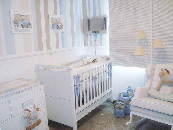 Kit de berço, kit de higiene, trocador, quadros, almofadas decorativas, almofada de amamentação, porta de maternidade.