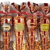 Flavoured pop corn.: Food Gifts, Chocolates Popcorn, Gifts Ideas, Popcornopoli Gourmet, Popcorn Cones, Gluten Free, 5 Cones Gifts, Gifts Boxes, Popcorn Recipes