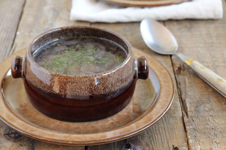 recept voor heldere uiensoep maak je een pan vol.