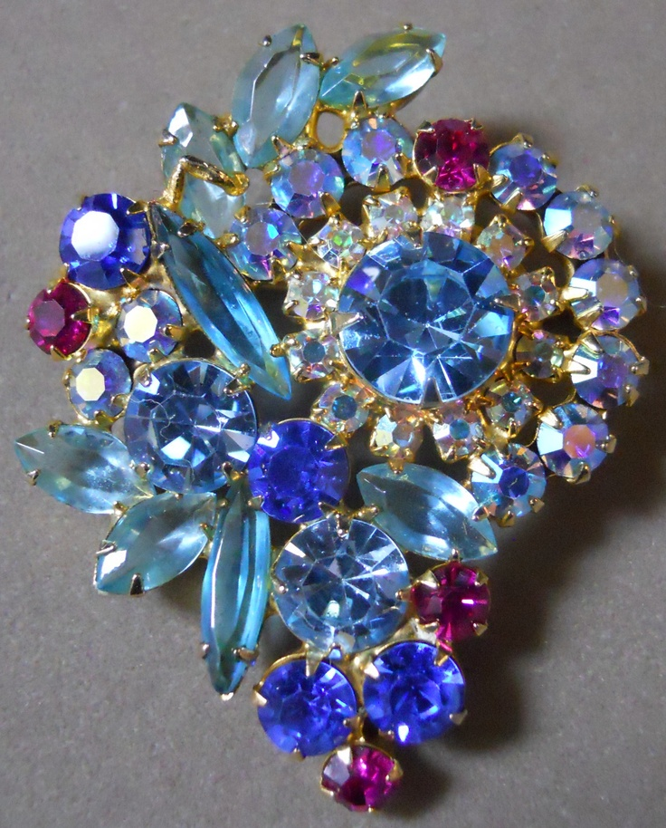 1000 Images About Costume Jewelry Brooches On Pinterest