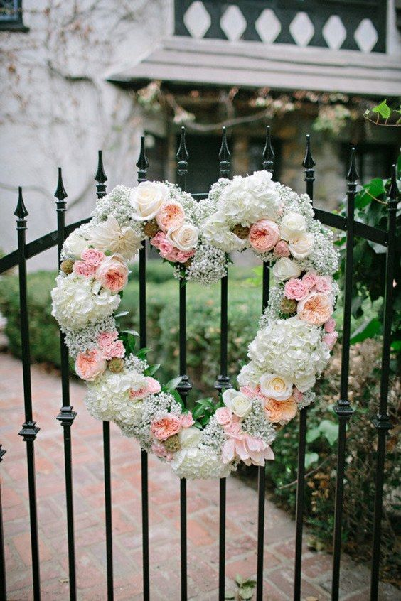 baby's breath wedding flower decor / http://www.himisspuff.com/rustic-babys-breath-wedding-ideas/5/
