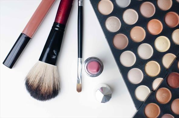 Hoe krijg je de look van natuurlijke make-up?