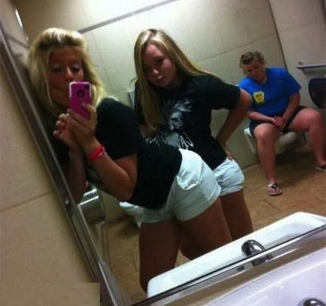 Girls Photoshoot Fail! .. #Funny #Photos