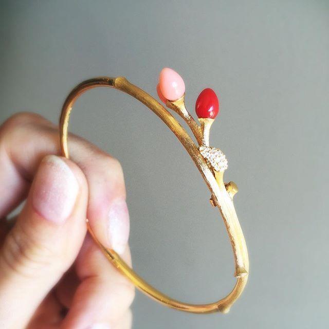The budding bracelet by Ole Lynggaard Copenhagen in 18k, coral & diamond pave. #olelynggaardcopenhagen #charlottelynggaard #18k #coral #diamondpave #finejewelery #designerjewelery #artjewelery #jewellery #lovegold #futureheirlooms #augustla