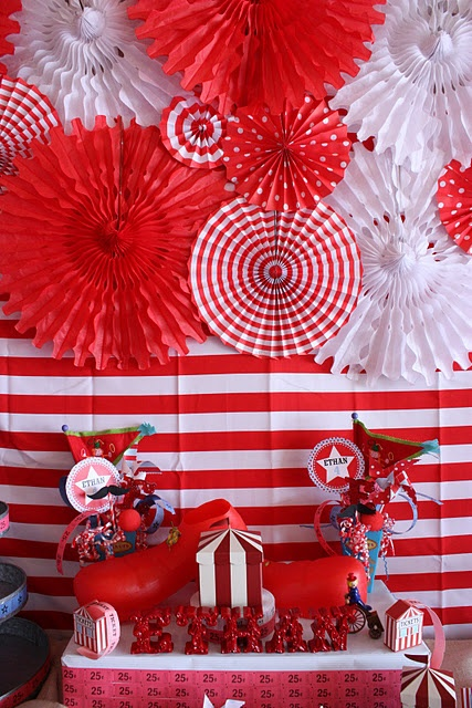 Carnival Party Decor - love swirl decorations